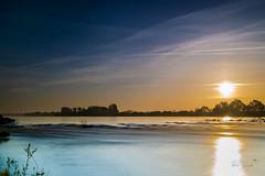 Lever de soleil à Meung sur Loire (autainvillois) Tags: lever soleil loire fleuve paysage