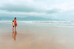 There is no place like the beach (livingsta) Tags: instagramapp square squareformat iphoneography uploaded:by=instagram beach vietnam seasia asia travel nature people ocean waves mountain fujifilm fujifilmxm1 mirrorless landscapes seascapes citylife danang