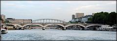 Puentes sobre el Sena (París, 1-10-2009) (Juanje Orío) Tags: francia parís 2009 france puente bridge río river sena barco patrimoniodelahumanidad worldheritage whl0600