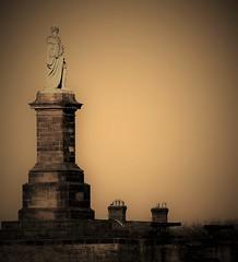 Collingwood Monument - Sepia - Tynemouth (Gilli8888) Tags: northeast tyneandwear monument statue sepia monochrome collingwood collingwoodmonument tynemouth northtyneside cannon admirallordcollingwood coast seaside nikon p900 coolpix