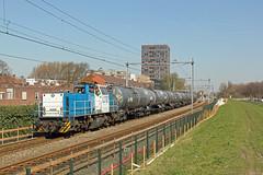 LTE 6409 met trein 51xxx (kevinpiket) Tags: lte 6400 6409 goederenvervoerder goederentrein keteltrein ketelwagens spoorlijn diesellocomotief dieselloc hoekselijn vlaardingen zuidholland nederland canon 60d