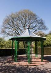 Norton Priory walled garden 11 apr 17 (Shaun the grime lover) Tags: norton priory halton cheshire garden spring walled shelter pergola