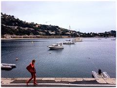 Villefranche-sur-Mer, 2017 (Exit Imago) Tags: bag clothing dress woman fashion walking shoe sea france villefranchesurmer red ~colour