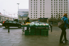 Street Vendor (netczuk) Tags: ql17 canon canonet 40mm fuji fujifilm superia 400 xtra giii