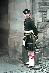 EDIMBURG CASTLE 1970 (ADRIANO ART FOR PASSION) Tags: scotland scozzese uniforme uniform militare guardia castello edimburgo