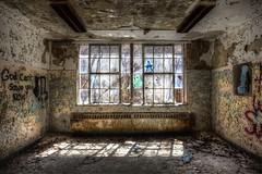 (Ana Turturro) Tags: kppc kings park kingsparkpsychiatriccenter asylum abandoned decay urbex urbanexploration urbanexploring ue hospital lunatic psychiatric center