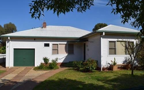 12 Waratah Street, Parkes NSW 2870