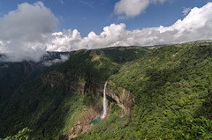 Nohkalikai Falls | Cheerapunjee (dinesh.I) Tags: india north falls east waterfalls cherrapunji meghalaya cwc northeastindia incredibleindia wettest nohkalikaifalls khasihills cheerapunjee chennaiweekendclickers waterfallinindia