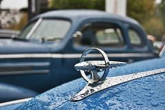 Blue raindrops (Caoimh) Tags: old blue classic cars car rain azul lluvia classiccar dof exhibition desenfoque raindrops clsico ltytr2 ltytr1