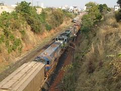 18762 U20C #2684 + DDM45 #860 + BB40-2 #6506 + 8112 + 8151 (de traz) com trem C545 chegando em Uberlndia MG    (1) (Johannes J. Smit) Tags: brasil vale trens fca vli