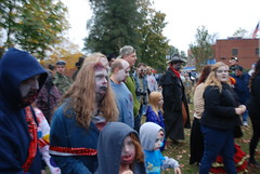 DSC_2670 (Krystal OBrien) Tags: zombie zombies fredericksburg zombiewalk crawlofthedead meanmommyclub