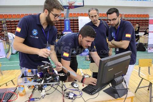 "Competición Internacional de Robots Aéreos IRAC14 • <a style=""font-size:0.8em;"" href=""http://www.flickr.com/photos/61278771@N07/15308055907/"" target=""_blank"">View on Flickr</a>"