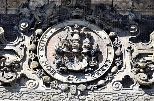 Tubinga (Alemania). Schloss (Castillo) Hohentübingen. Puerta de acceso. Escudo