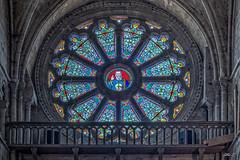 Église d'Auvers-sur-Oise. (gilles_t75) Tags: hdr nikon d5300 église auverssuroise valdoise95 iledefrance photomatix tonemapping vitrail vitraux france highdynamicrange gillest nikkor1855mmf3556 bracketing photohdr exposurefusion