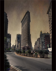 Flatiron Building (Carlos Abrego Marchueta) Tags: street city sky usa ny newyork building skyline architecture arquitectura stones manhattan textures flatironbuilding soe flatiron skycrapers autofocus fullerbuilding abrego clothesiron platinumpeaceaward carlosabrego