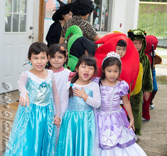 Too Many Princesses (umijin) Tags: school party people usa holiday halloween kids children costume child thing events places clothes guam apparel yochien guahan mangilao peoplegeneral territoryofguam japaneseschoolofguam