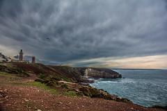 Cap Frhel (guillaume_roger_aussant) Tags: sea cliff mer bird vent bretagne vert bleu cap granite nuages vagues falaise manche rochers haute ocan vgtation frhel