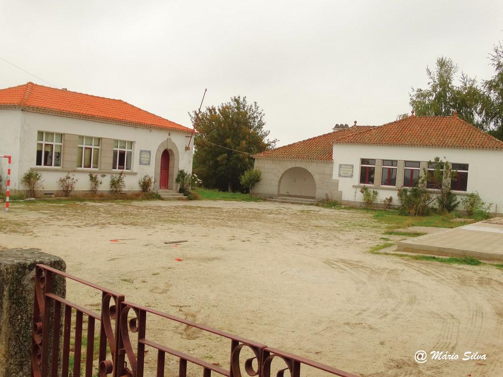 Águas Frias (Chaves) - ... a extinta escola ... (saudades) ...