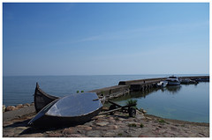 Loneliness (Edwin M. Photography) Tags: summer boats alone loneliness sommer july lagoon boote juli haff nida lithuania marios vasara 2014 lietuva zalew lituania litauen curonian kuri liepa lituanie laivai kurisches kuroski