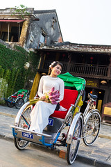 Girl on Rickshaw (Joerg1975) Tags: lens asia asien sony vietnam hoian asie alpha f28 a7 linse objective objektiv アジア 亚洲 hộian copyrightprotected 亞洲 آسيا азия ilce7 sel35f28z sonyilce7