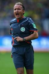 Lutz Wagner (tezsaund) Tags: germany dortmund fussball|1 bundesliga|deutschland|bongartssept15