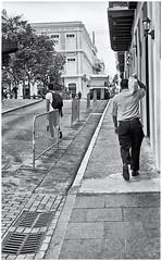 El Tesoro (The Treasure) (Samy Collazo) Tags: street blackandwhite bw film oldsanjuan streetphotography bn pelicula viejosanjuan blanconegro streetphotographer fotocallejera arista fotografiaurbana streetcapture germancameras streephotography blackwhitephotos fotografiacallejera contaxii fotourbana russianlenses lightroom3 aristapremium400 camarasalemanas silverefexpro2 jupiter853mmf20 lentesrusos