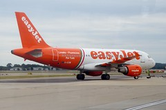 G-EZIW Gatwick 4 September 2016 (ACW367) Tags: geziw airbus a319 easyjetairline gatwick
