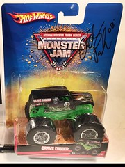 #12-8, Charlie Pauken, Signing, Hot Wheels, Grave Digger, Monster Truck, (Picture Proof Autographs) Tags: 128 charliepauken signing hotwheels gravedigger monstertruck 164scale diecast bp sppp3 with pictureproofphoto ppp
