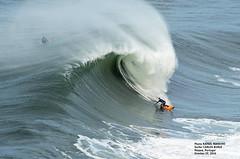 CARLOS BURLE / 89660N0 (Rafael González de Riancho (Lunada) / Rafa Rianch) Tags: nazaré olas waves ondas water surf surfing portugal mar sea deportes sports vagues nazare costa coast playa beach