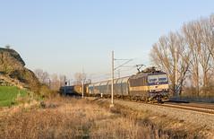 The Rock | 363.104 | ZSSK Cargo | Melčice - Trenčianske Bohuslavice (lofofor) Tags: electric eso tmavomodré 363 104 dvojčlen pn náklad nákladný melčice ivanovskáskala trenčianske bohuslavice nm koridor zmeska západslnka skala