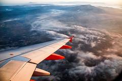 Flying (micheloverier) Tags: turnleft friend trip viaje viajera viajar traveling travelers travel new sunrise amanacer fly plane sky easyjet