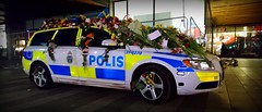 31-9270. (Papa Razzi1) Tags: 8989 2017 099365 sweden stockholm terrorattack sunday policecar volvo v70 319120 covered flowers greetings card grateful thankful support police thinblueline