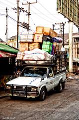 Comment ça en équilibre précaire?!? (isabelle.giral) Tags: burma birmanie myanmar mawlamyine pentax car voiture