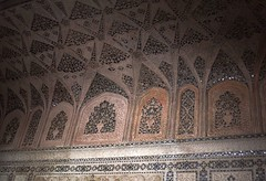 India (Agra-Agra Fort) Ceiling decorations of Musamman Burj Chamber (ustung) Tags: india agra agrafort palace chamber musammanburj ceiling decoration nikon