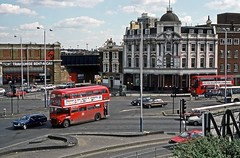 Vauxhall, London SW8, April 1989 (David Rostance) Tags: london vauxhall aec routemaster bus rm1305 305clt route36 pub elephantcastle courage publichouse bankchambers
