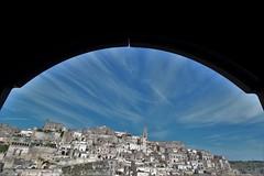 Matera... (modestino68) Tags: matera panorama landscape case houses porta door architettura cielo sky nuvole clouds