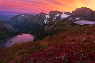 autumn sunset fall arm north pass cascades danny cascade seidman sahale