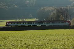 Sdostbahn SOB Pendel - Pendelzug unterwegs bei Reichenburg im Kanton Schwyz in der Schweiz (chrchr_75) Tags: chriguhurnibluemailch christoph hurni schweiz suisse switzerland svizzera suissa swiss chrchr chrchr75 chrigu chriguhurni 1410 oktober 2014 sdostbahn albumsdostbahnsob sob bahn eisenbahn schweizer bahnen hurni141024 oktober2014 albumbahnenderschweiz albumbahnenderschweiz2014712 train treno zug juna zoug trainen tog tren  lokomotive  locomotora lok lokomotiv locomotief locomotiva locomotive railway rautatie chemin de fer ferrovia  spoorweg  centralstation ferroviaria