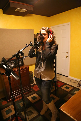 "Lainika recording vocals <a style=""margin-left:10px; font-size:0.8em;"" href=""http://www.flickr.com/photos/117397217@N06/15063181323/"" target=""_blank"">@flickr</a>"