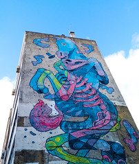 Cavall i Esquelet (Bernat Nacente Foto) Tags: street blue building portugal buildings october fuji lisboa melody fujifilm octubre blau  carrer   edifici x10 2014 edificis      nohdr   x