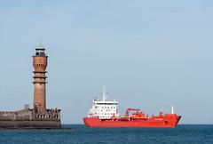 Sten Hidra (4) (Djiezes Kraaist) Tags: lighthouse haven port boot harbor boat am aegean vessel sten anastasia bateau phare vuurtoren dunkerque dunkirk intuition bulk contrecoeur hidra duinkerke caillard arcelormittal