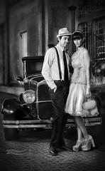 El desagrado 2 (gerardo_malano@yahoo.com.ar) Tags: auto calle pareja antiguo 1950 adoquines tanguero