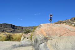 Chunlin Yoga on the Rock (Sotosoroto) Tags: washington hiking bankslake grandcoulee dayhike columbiabasin barkercanyon
