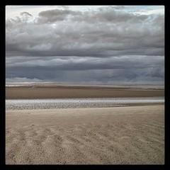 #nordsee #inselneuwerk #wolken #strand #sigmadp1 (nextexit_eiderstedt) Tags: square squareformat hefe cloudporn inselneuwerk iphoneography instagramapp uploaded:by=instagram
