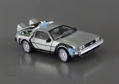 Back To The Future ~ DELOREAN TIME MACHINE - 1:50 scale Elite One by Hot Wheels / Mattel (LUNZERLAND!) Tags: bttf elite hotwheels delorean mattel mib backtothefuture timemachine diecast moviecar deloreandmc12 mintinbox hollywoodcar deloreantimemachine diecastcar hotwheelselite 150scale hollywoodonwheels eliteone
