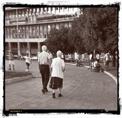 Coppie (soniafalchetto) Tags: people bw love persone amore bianconero parejas coppie soniachialastri seebw