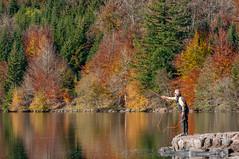 Lac du Bouchet 020 (aups83) Tags: nature automne lac auvergne volcan pêche baignade hauteloire randonnéepédestre plandeau pêcheàlamouche cayres lacdubouchet plateauvolcanique