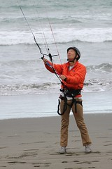 "Ed controls the kite • <a style=""font-size:0.8em;"" href=""http://www.flickr.com/photos/27717602@N03/15579112386/"" target=""_blank"">View on Flickr</a>"