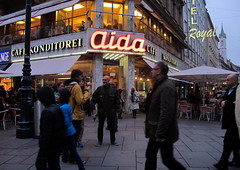 Vienna at dusk (Tereza echov) Tags: street city light people caf hotel austria moving dusk aida wienna vde