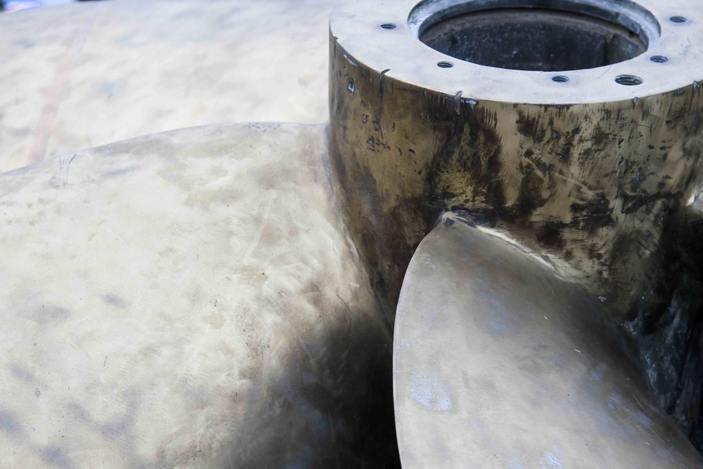 The World's most recently posted photos of propeller and submarine
